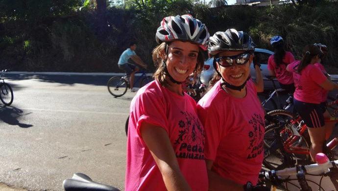 Pedal da Luluzinha Carol Castro e Rosangela 2012 (Foto: Caroline de Castro/Arquivo Pessoal)