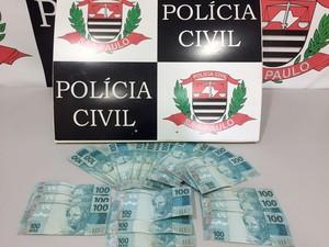 Maior parte do dinheiro supostamente roubado foi usada pelo adolescente (Foto: Polícia Civil/Cedida)