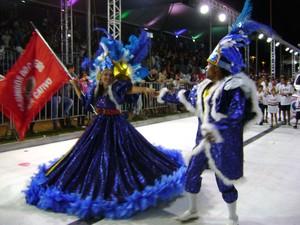Escolas de samba de Sorocaba agitam sambódromo na segunda noite - Carnaval- Unidos do Cativeiro (Foto: Eduardo Ribeiro Jr./G1)