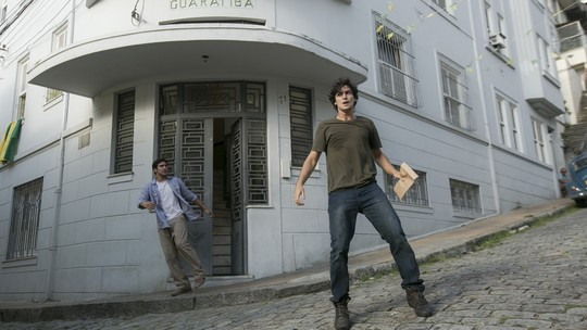 Renato e Gustavo conseguem fugir de emboscada