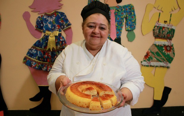 Pudim de Tapioca é opção de sobremesa para festas juninas (Foto: Katiúscia Monteiro/ G1 AM)