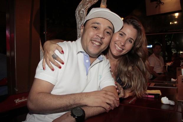 Andréia Sorvetão com Andrezinho em festa em restaurante na Zona Oeste do Rio (Foto: Isac Luz/ EGO)