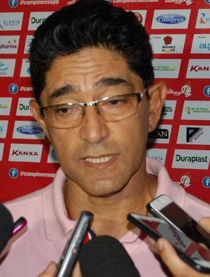 Sérgio China, técnico do Campinense´ (Foto: Silas Batista / GloboEsporte.com)