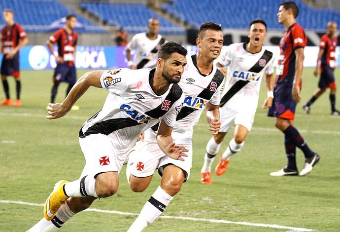 Gilberto comemora gol do Vasco contra o Bonsucesso (Foto: Marcelo Sadio / Vasco.com.br)