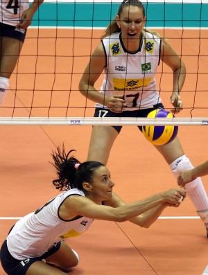 vôlei Brasil x EUA Grand Prix Sheilla e Fabiola (Foto: Gaspar Nóbrega / Vipcomm)