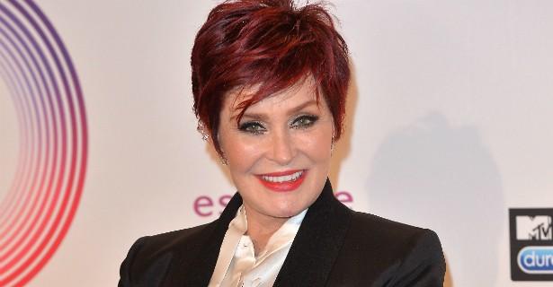 A esposa do roqueiro Ozzy Osbourne, Sharon, tem 62 anos e já admitiu ter lutado durante mais de 35 deles contra a bulimia. (Foto: Getty Images)
