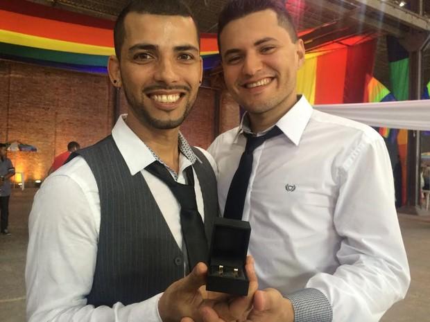 Mario Sergio Lemos, 33, se casou com Alexandre Alves Santos, 25 (Foto: Daniel Silveira/G1)