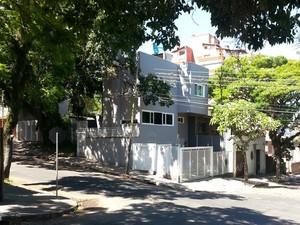 Morador de uma casa de alto padrão na Zona Sul de Porto Alegre é suspeito de tráfico de drogas (Foto: Divulgação/Polícia Civil)