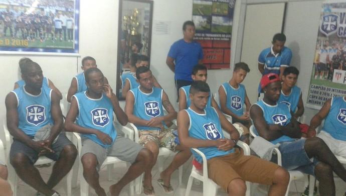 Jogadores foram apresentados à diretoria e comissão técnica do São Francisco em Santarém (Foto: Ednelson Nunes/Ascom São Francisco)