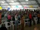 Católicos unem fé e folia em retiro (Jéssica Alves/G1)