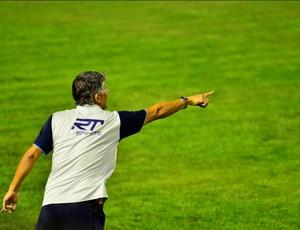 Márcio Bittencourt orienta jogadores (Foto: Thiago Leon/ THX Photo)