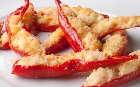 Pimenta dedo-de-moça recheada com camarão e cream cheese