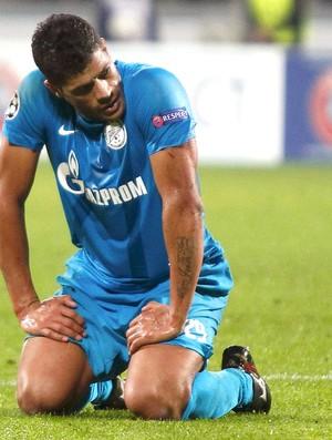 Hulk na derrota do Zenit para o Milan (Foto: Reuters)