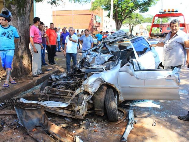 Vítima foi levada em estado gravissímo ao Hospital Universitário em Londrina (Foto: Rafael Stutz/ Manchete do Povo/Divulgação)