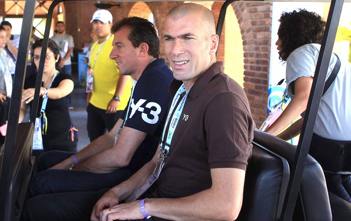 Zidane chegada sorteio Copa do Mundo Brasil (Foto: EFE)