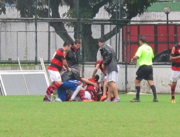 comemoração gol Flamengo juniores contra o Vasco (Foto: Gustavo Rotstein / Globoesporte.com)