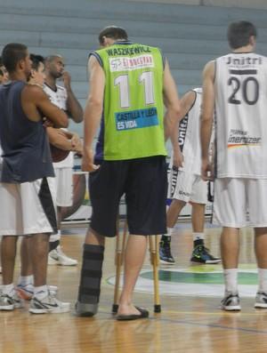 Pivô Leonardo do Uberlândia Basquete (Foto: Felipe Santos/GLOBOESPORTE.COM)