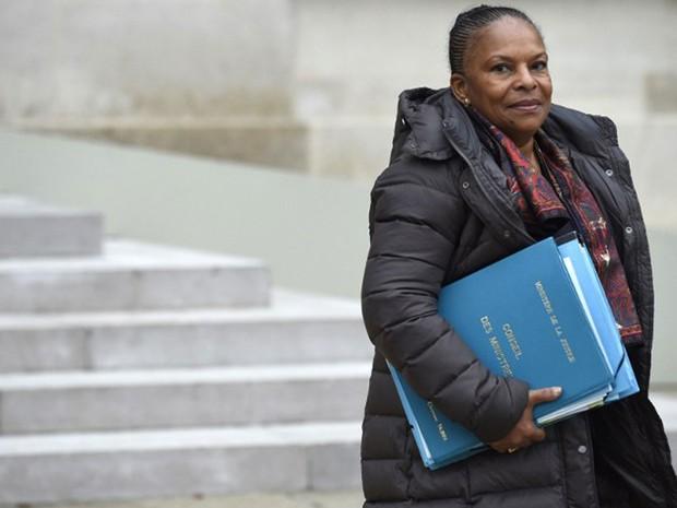 Reforma constitucional leva ministra da Justiça francesa a bater com a porta