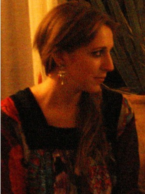 Victoria Darling: professora de ciências sociais e sociologia dá aulas de espanhol (Foto: Divulgação)