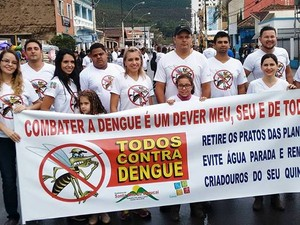 Passeata contra a dengue realizada em Santa Rita do Sapucaí, MG (Foto: Epidemiologia / Prefeitura de Santa Rita do Sapucaí)