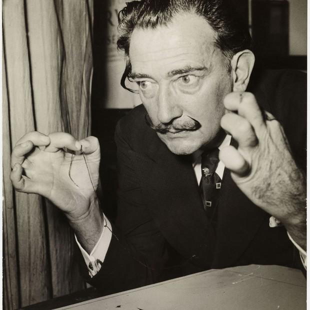 Salvador Dalí. Associated Press, Paris. Salvador Dalí ilustra El Quijote, 1956. (Foto:  © Salvador Dalí, Fundació Gala-Salvador Dalí, Figueres.)