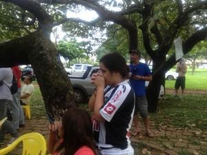 No Tocantins, jovem chora sem acreditar na derrota do Atlético-MG no Mundial de Clubes (Foto: Vilma Nascimento/GLOBOESPORTE.COM)