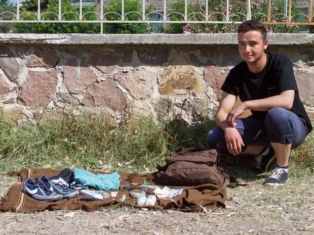 Iqbal diz que fugiu do Afeganistão para o Irã, de onde andou a pé até a Turquia (Foto: Tyler Jump/International Rescue Committee)
