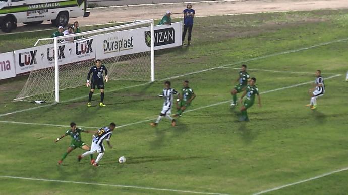 Treze x Serrano, pênalti, Amigão, Paraibano (Foto: Reprodução / TV Paraíba)