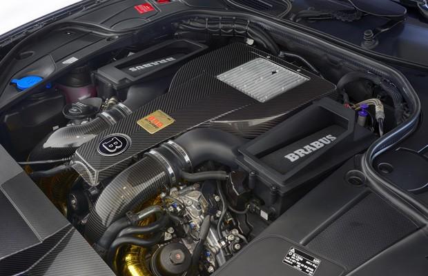 Motor V8 do Brabus 850 teve a litragem ampliada de 5,5 para 6,0 litros (Foto: Divulgação)