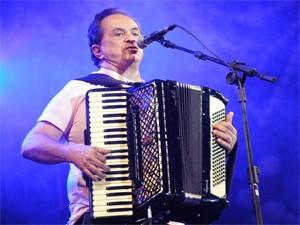 Flávio José se apresenta no dia 11 de janeiro no Ponto de Cem Réis (Foto: Divulgação/Secom-PB)