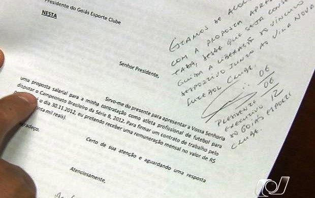 Carta em que Patric se oferece para jogar no Goi&#225;s (Foto: Reprodu&#231;&#227;o/TV Anhanguera)
