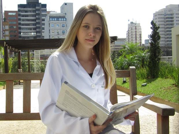 Isabella Marinelli, de 19 anos, tentou financiamento pelo Fies para pagar curso de medicina. (Foto: Will Soares/G1)