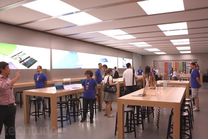 Área de treinamentos da Apple Store (Foto: Allan Melo / TechTudo)