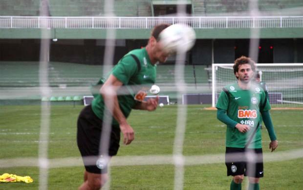 Lincoln é o jogador mais experiente do elenco do Coritiba, no Brasileirão (Foto: Gabriel Hamilko / GloboEsporte.com)