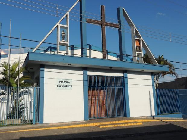 Igreja receberá cerca de 50 espanhois. (Foto: Jenifer Carpani/G1)