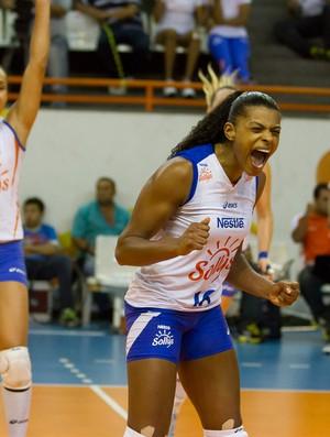 A ponteiro Fê Garay fez 35 pontos no clássico paulista (Foto: AGF/Divulgação)