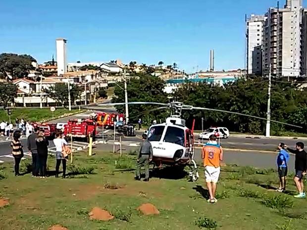 Helicóptero da PM auxilia no atendimento aos feridos em grave acidente em Campinas (Foto: Júlio César Velardi/Arquivo Pessoal)