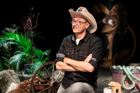 Britto Júnior, apresentador de 'A fazenda' (Foto: Record)