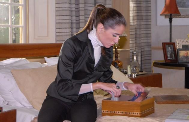 Como Elizabeth, morena, em 'Pé na jaca', novela de 2007 (FOTO: Carol Chediak/TV Globo)