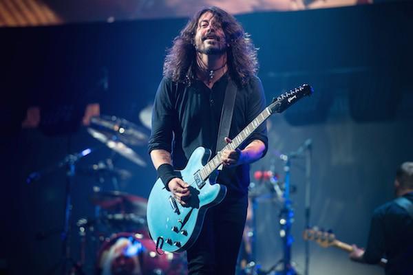 O cantor Dave Grohl dos Foo Fighters no show em que quebrou o recorde de Adele (Foto: Getty Images)