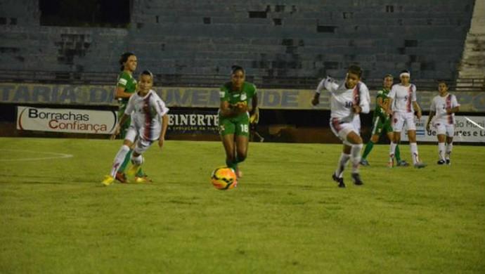 Partida entre Estrela Real e Rio Preto, no estádio Nilton Santos em 2014 (Foto: Divulgação)