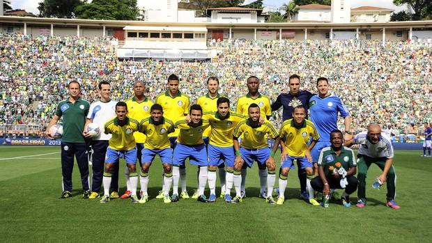 Palmeiras posado (Foto: Marcos Ribolli)