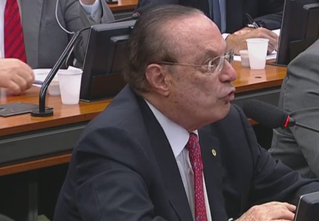 O deputado Paulo Maluf na CCJ que discute a admissão da denúncia contra Michel Temer (Foto: Reprodução/TV Câmara)