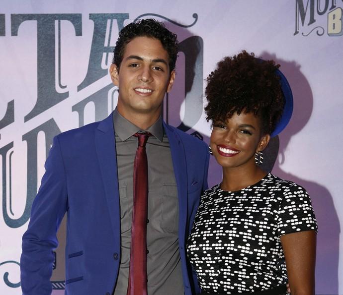 Jeniffer Nascimento com o namorado, Jean Amorim (Foto: Inácio Moraes/Gshow)
