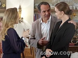 Virgílio convida Shirley para ir à oficina (Foto: Em Família/TV Globo)