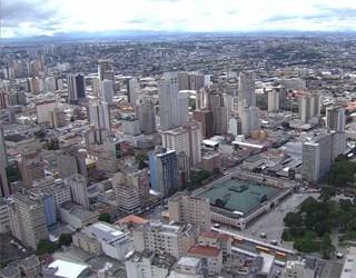 Visão aérea de Curitiba, que completa 322 anos dia 29 de março (Foto: Reprodução/RPC)