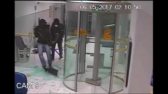 Polícia divulga imagens de assalto a banco frustrado em Quebrangulo, Alagoas