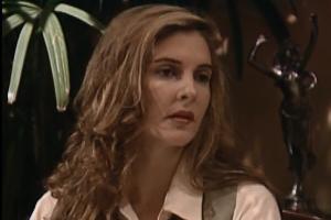 Karen impede que Stella visite Paulinho e mente para o menino