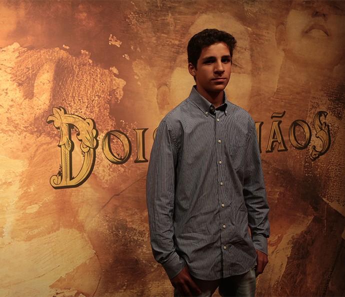 O jovem Rian Cesar vive Nael, filho de Domingas, a índia responsável pelo serviço doméstico na casa de Halim e Zana (Foto: Isabella Pinheiro/ Gshow)