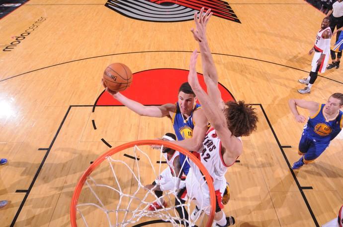 Golden State Warriors vence o Trail Blazers por 113 a 112 (Foto: AFP)